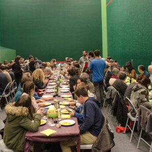 Repas au trinquet association Denek Bat